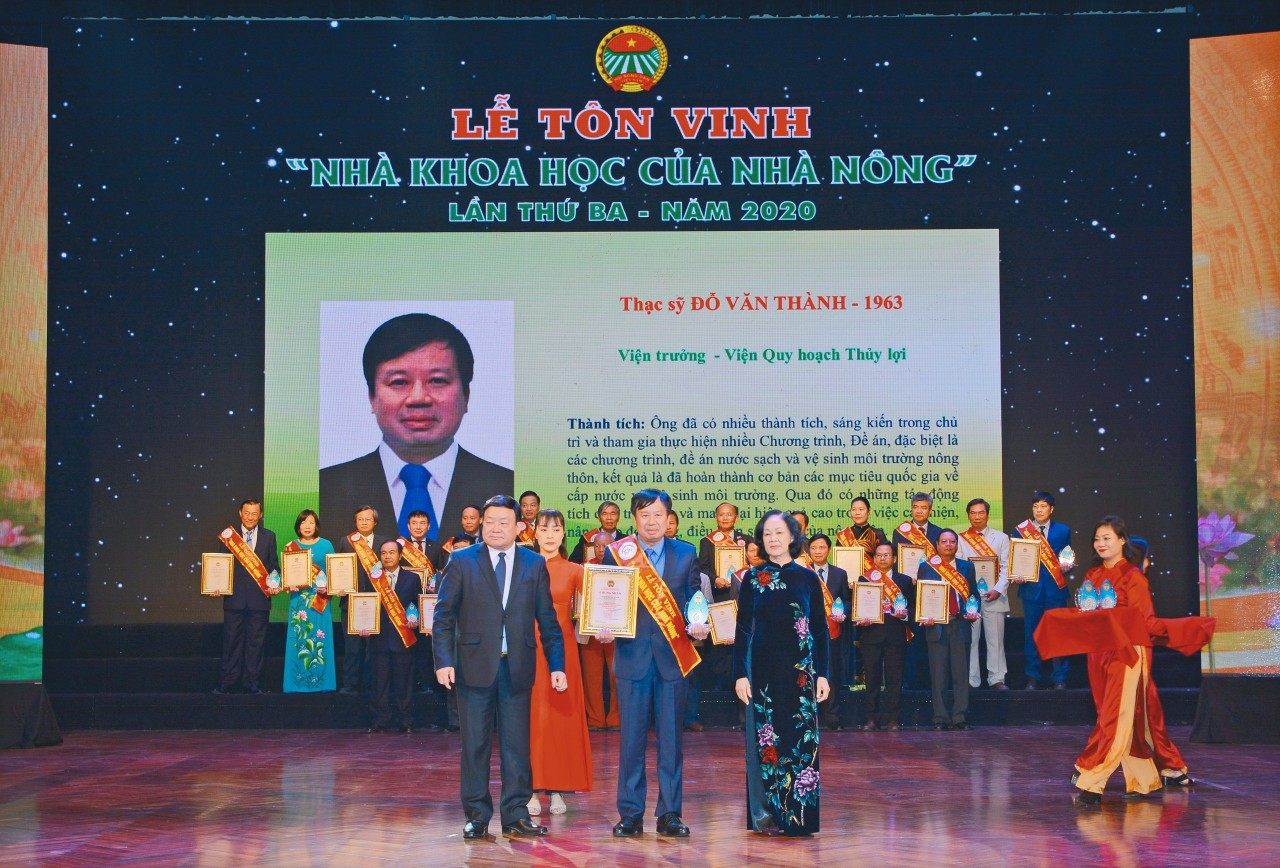 Mr. Do Van Thanh, Director General of the IWRP was named a 'Farmer's Scientist' in 2020 (29 December 2020)